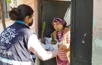 Aydın Büyükşehir Belediyesi Ejder Meyvesi Fidanlarını Çiftçilere Dağıttı