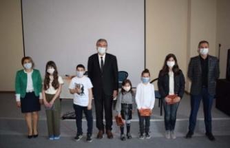 Çine'de 23 Nisan Şiir ve Resim Yarışmasının Ödülleri Verildi