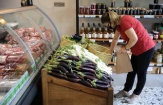 Ata Tohumlarından üretilen yazlık sebzeler Halk Ege Et marketlerinde