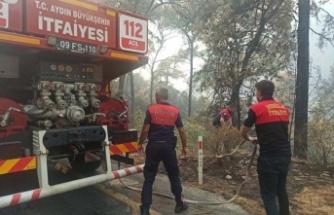 Aydın Büyükşehir Belediyesi İtfaiyesi Ekipleri Marmaris Yangınına Müdahale Ediyor