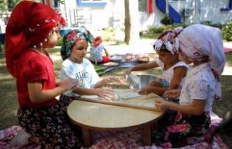 Aydın Büyükşehir Belediyesi'nin Kreşlerinde Çocuklar Deneyimleyerek Öğreniyor