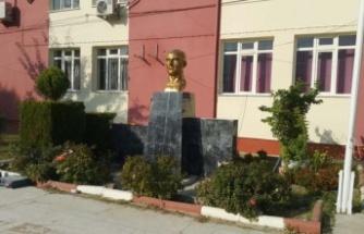 """""""Atatürk Büstlerinin anlamı büyüktür"""""""
