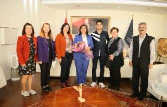 Çağdaş Yaşamı Destekleme Derneği'nden Başkan Çerçioğlu'na Ziyaret