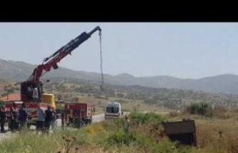 Karpuzlu'da kaza kamyonet devrildi: 2 ölü, 11 yaralı