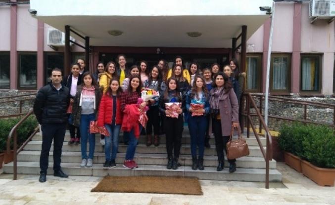 Mehmet Emin Ünal Mesleki Öğrencilerinden, Yaşlılara Ziyaret