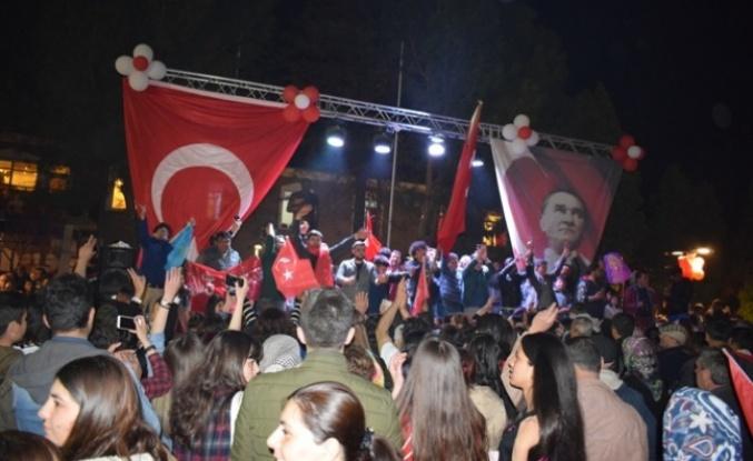 Çine'de CHP 9, AK Parti 6 meclis üyeliği kazandı