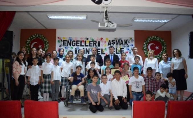 Özel Eğitimli Öğrencilerin Programı Büyük Beğeni Topladı