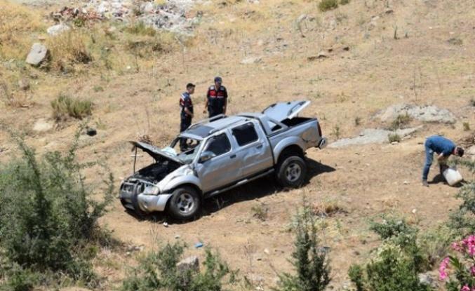 Çine'de Kontrolden Çıkan Araç Şarampole Uçtu: 2 Yaralı