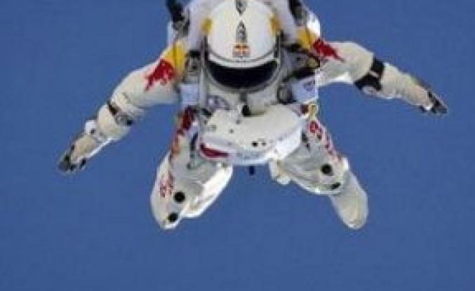 Uzaydan Dünyaya Atlayacak!